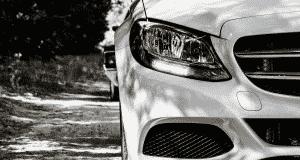 Comment nettoyer les phares opaques d'une voiture
