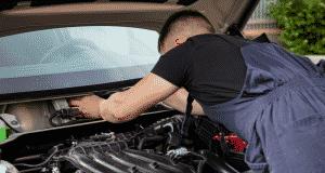 comment ouvrir le capot d'une voiture sans tirette